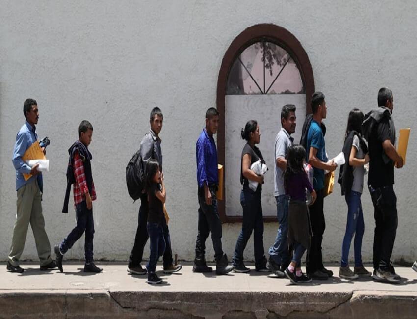 ভারতীয় সহ ১০০-এর বেশি অবৈধ অনুপ্ৰবেশকারী আটক মার্কিন যুক্তরাষ্ট্ৰে