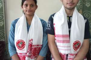 দরং কলেজের দুই মেধাবী গৌরবান্বিত করলেন তেজপুরকে