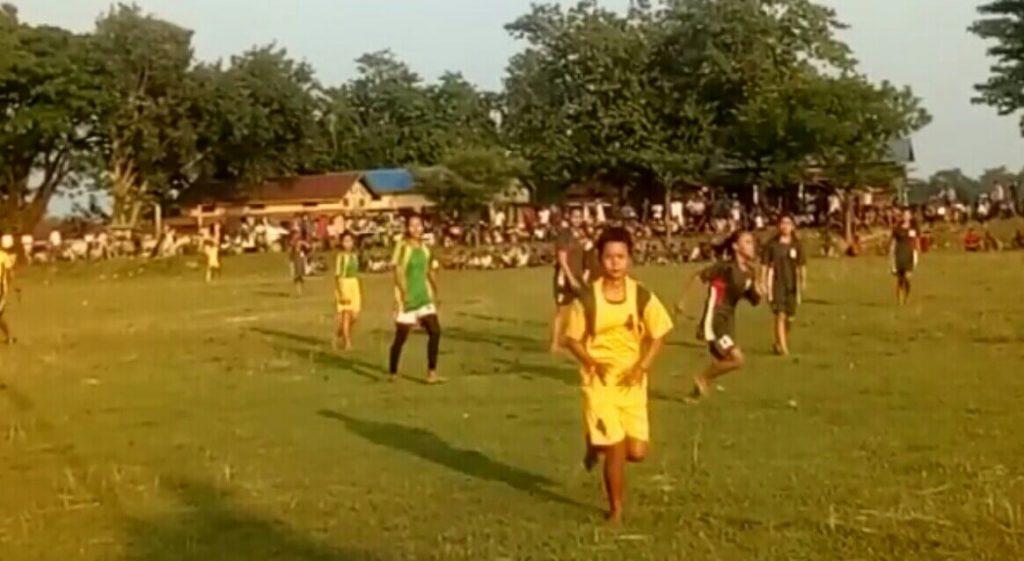 বিলাসীপাড়ায় মহিলা ফুটবল প্ৰতিযোগিতা অনুষ্ঠিত