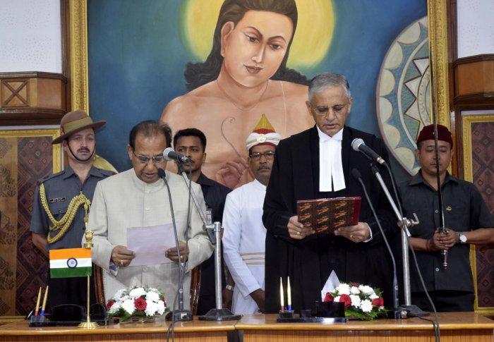গৌহাটি হাইকোর্টের মুখ্য বিচারপতি হিসেবে শপথ নিলেন বোপান্না