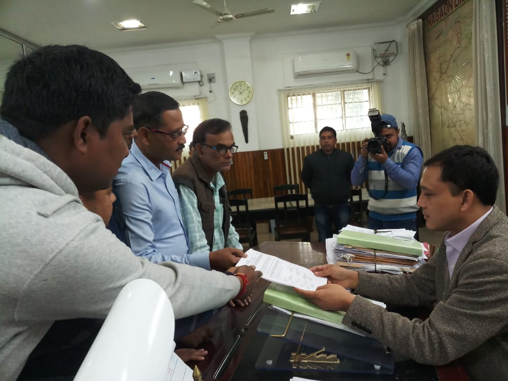 নগাঁওয়ে আজমলের বিরুদ্ধে সাংবাদিক সংস্থার প্ৰতিবাদ