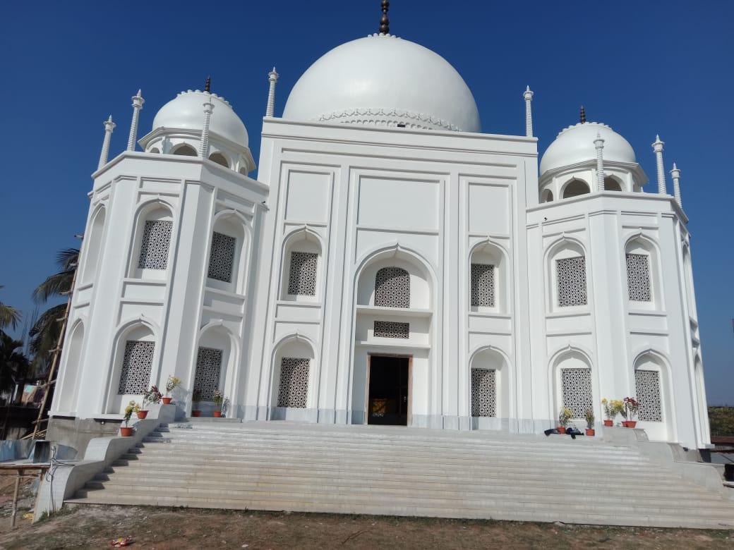 গুয়াহাটির শিজুবাড়িতে নির্মাণ হচ্ছে তাজমহল