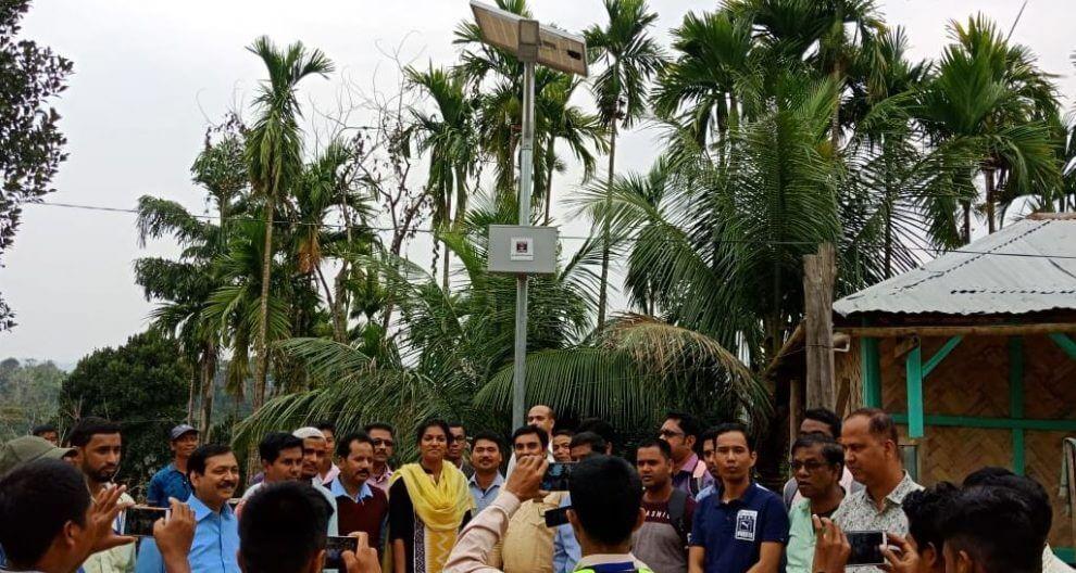 হাইলাকান্দির প্ৰত্যন্ত গ্ৰামে সোলার স্ট্ৰিট লাইটের ব্যবস্থা