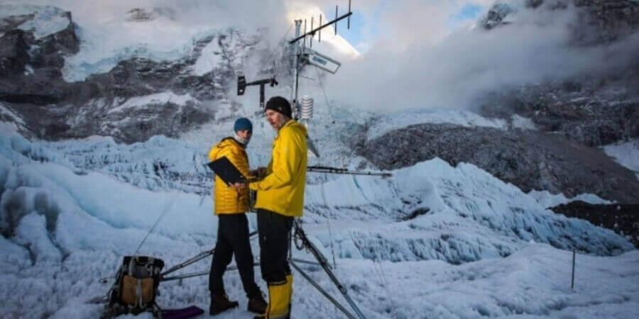 বিশ্বের সর্বোচ্চ আবহাওয়া স্টেশন স্থাপিত হলো মাউণ্ট এভারেস্টে