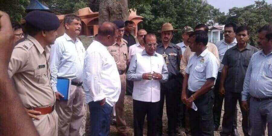 রাজ্যপাল জগদীশ মুখি কাজিরঙার বন্যা দেখলেন
