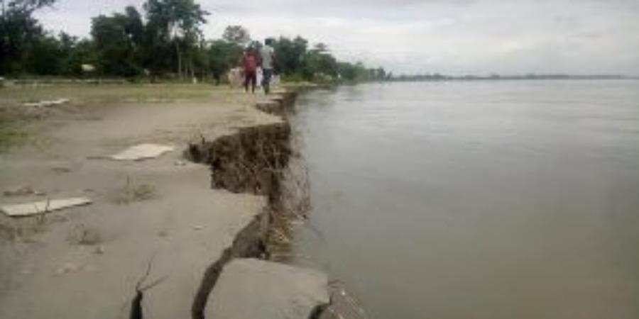 ধনশিরি নদীর ব্যাপক ভাঙনের কবলে গোলাঘাট জেলার সরুপথার