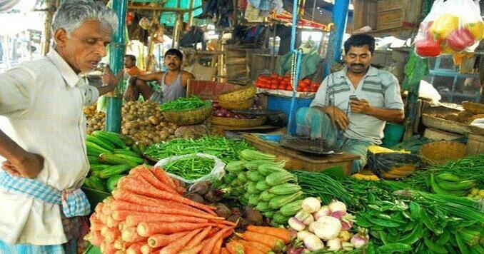 কলকাতায় সব জিনিসের দাম চড়ছে,পরখ করুন বাজার দরে